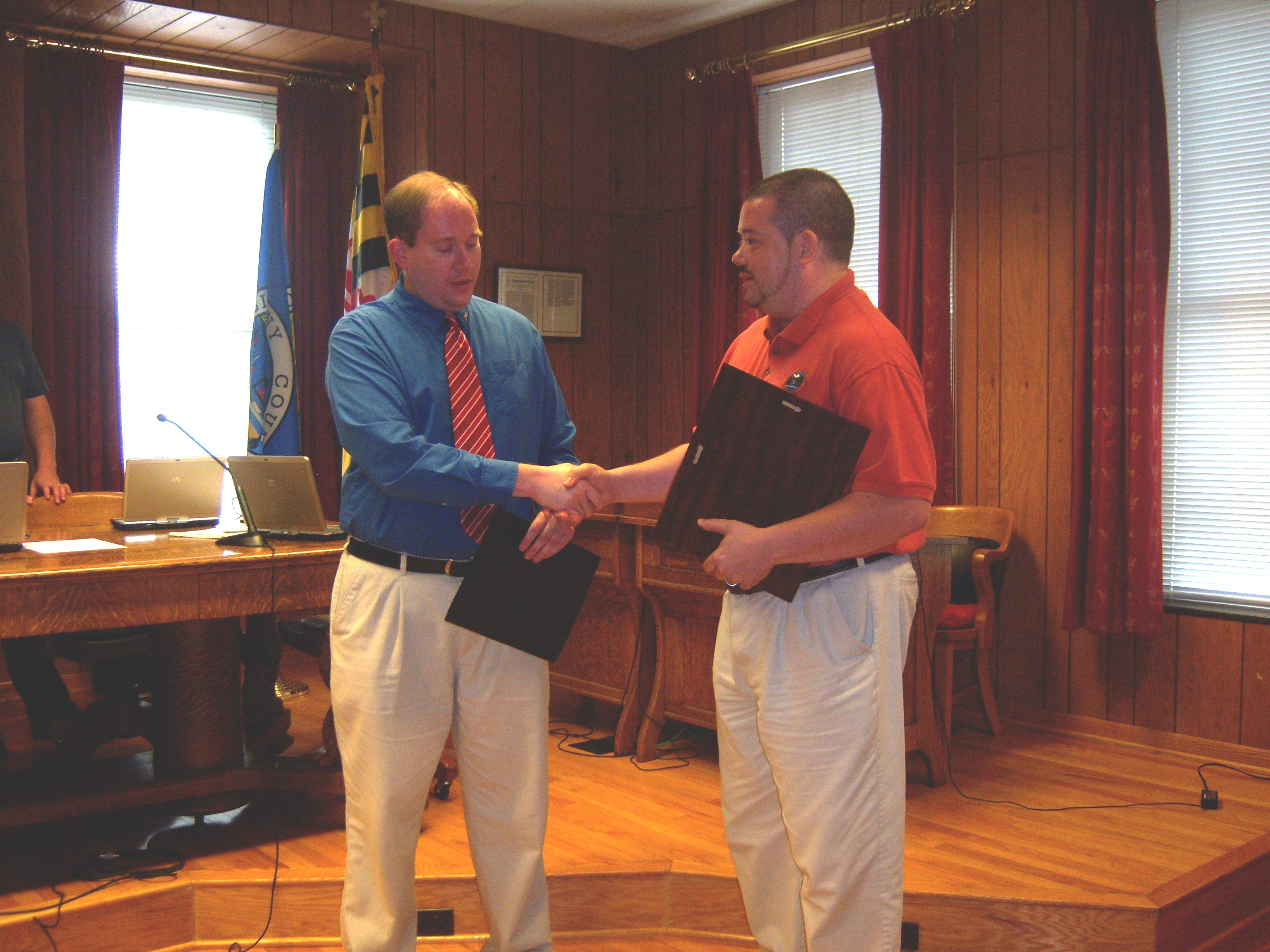 Technology Specialist Jon Daddysman Receives a Certificate of Recognition