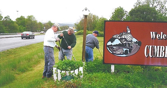 People Work to Beautify Cumberland