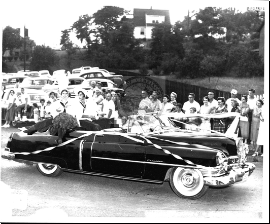 Car in the Bicentennial Parade